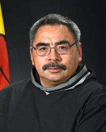 Minister David Akeeagok